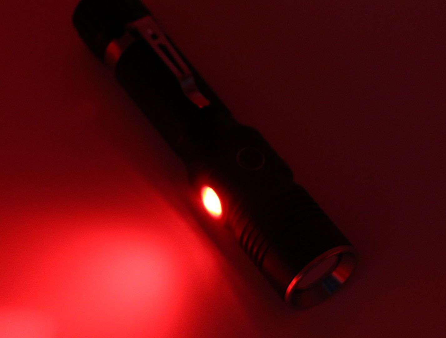 Multifunctional Aluminum Flashlight with Clip,18650 Rechargeable Battery